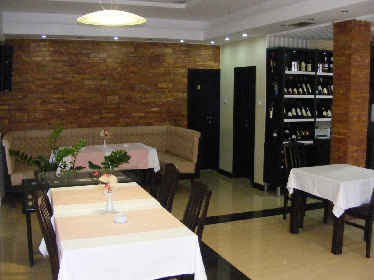 TAVERN KOD PAUNA Restaurants Loznica - Photo 5