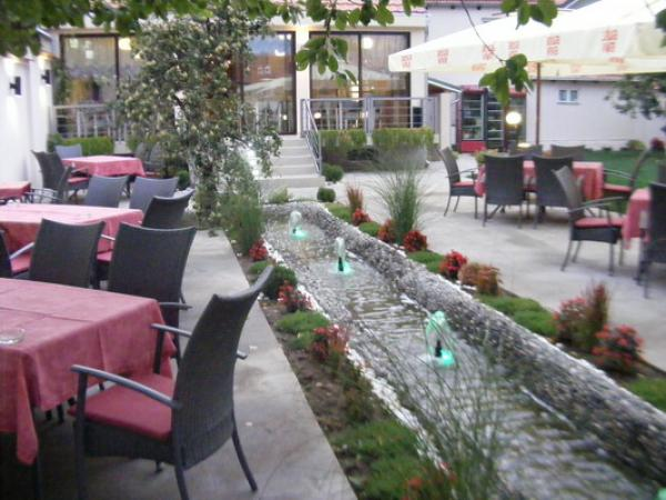 RESTAURANT DESETKA Restaurants Pirot - Photo 3