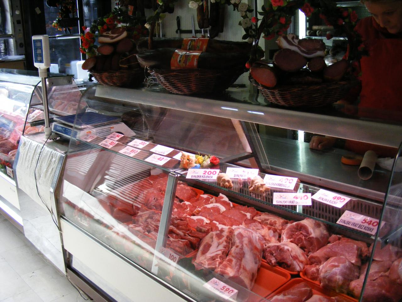 BUTCHER AND SLAUGHTERHOUSE CAVA Butchers, meat products Zlatibor - Photo 3