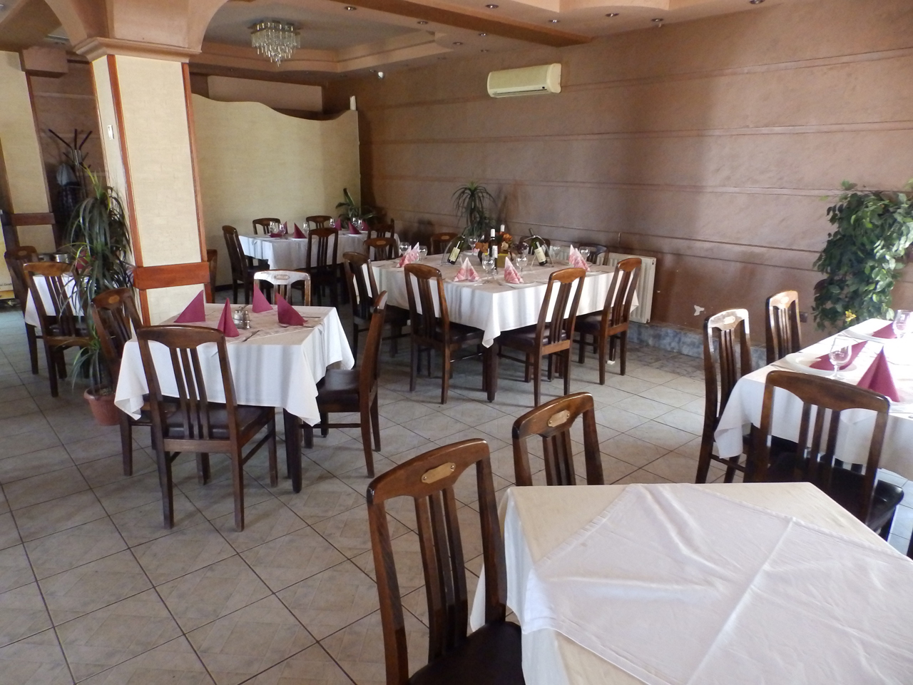 RESTAURANT BASTA Lodging Loznica - Photo 3