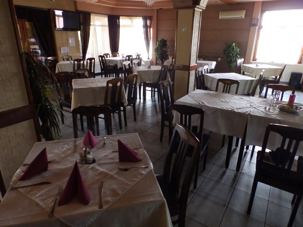 RESTAURANT BASTA Lodging Loznica - Photo 4