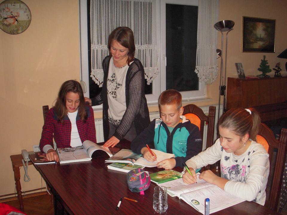 THE HOUSE OF WORDS Škole stranih jezika Gornji Milanovac