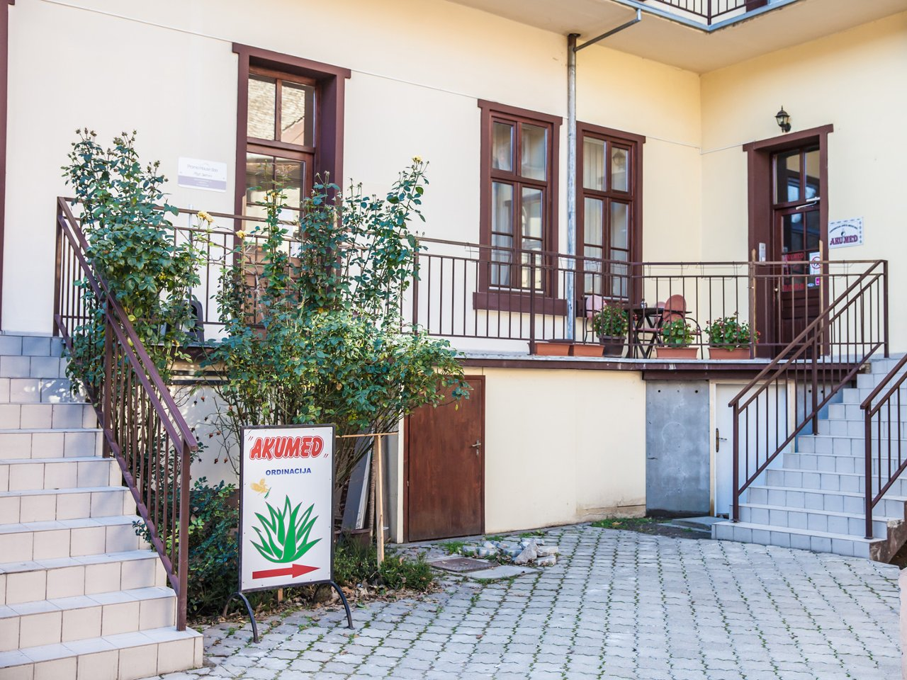 AKUMED SURGERY FOR ACUPUNCTURE THERAPY AND BIORESONANCE Specialist clinics Subotica - Photo 2