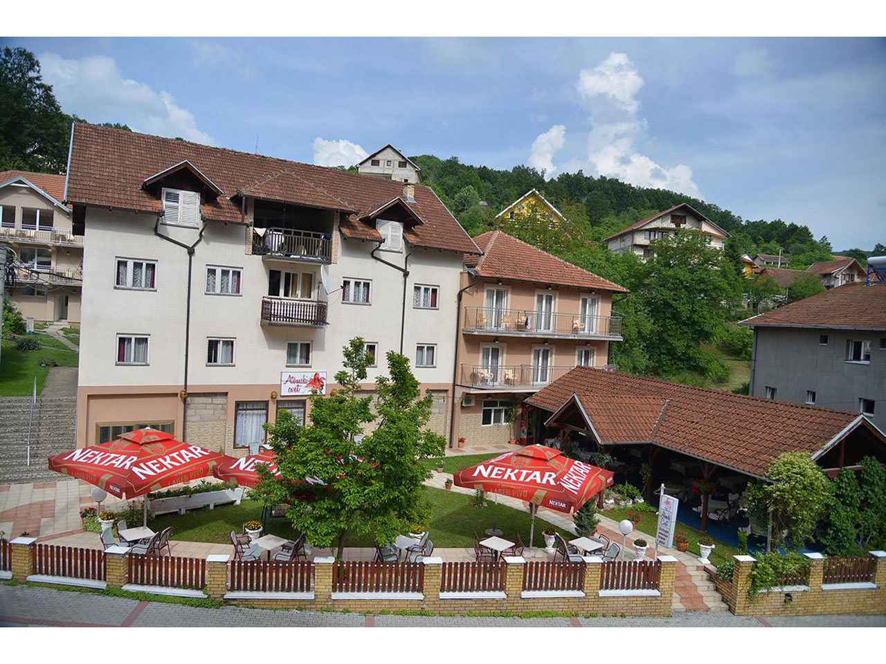 ATOMSKI CVET Restaurants for weddings Gornja Trepca - Photo 1
