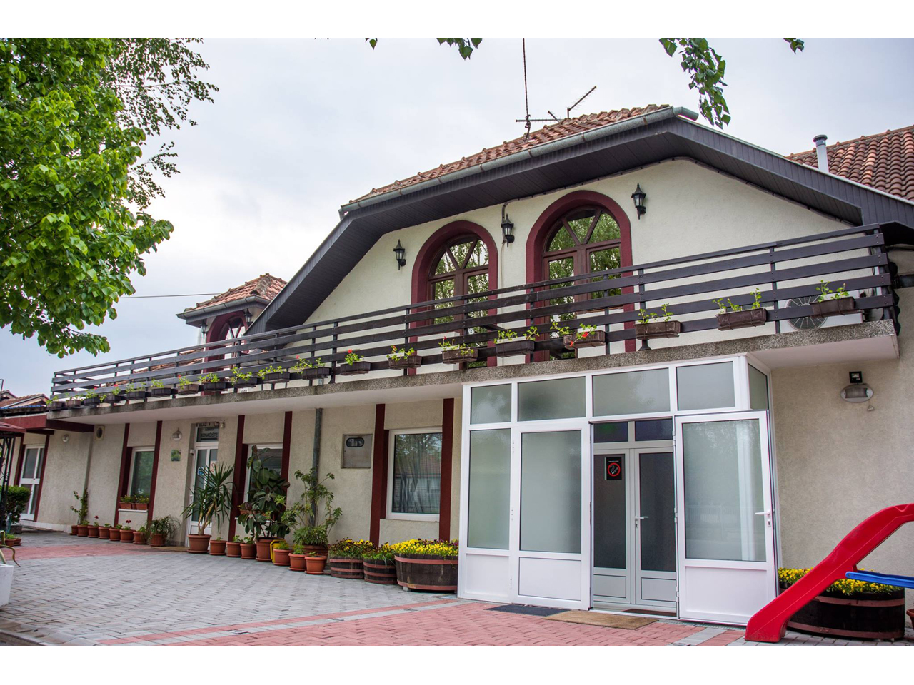 RESTAURANTFOR WEDDING AND ACCOMMODATION BABIKO EX Restaurants Krusevac - Photo 2