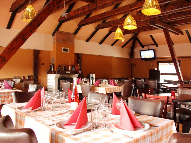 KRCMA NA BREGU Restaurants Zlatibor - Photo 5