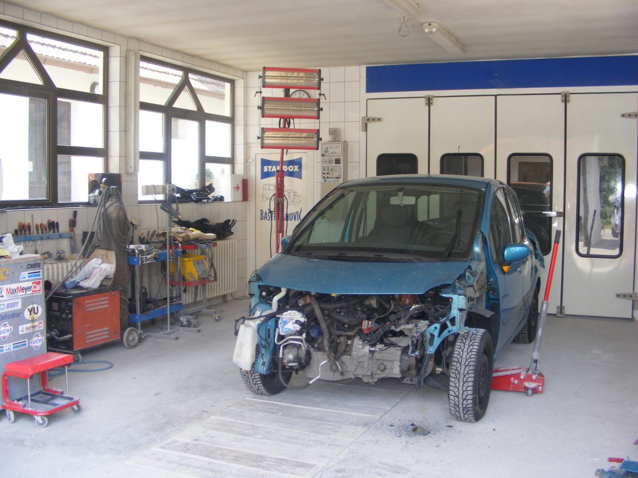 SERVIS BAŠTOVANOVIĆ Auto limari, auto lakireri Novi Sad