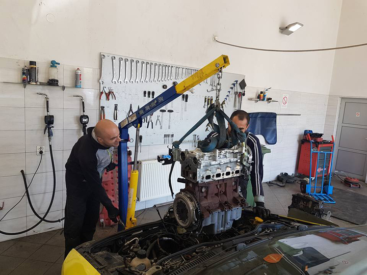 CAR CENTER MAXI CAR Car-body mechanics Kragujevac - Photo 5