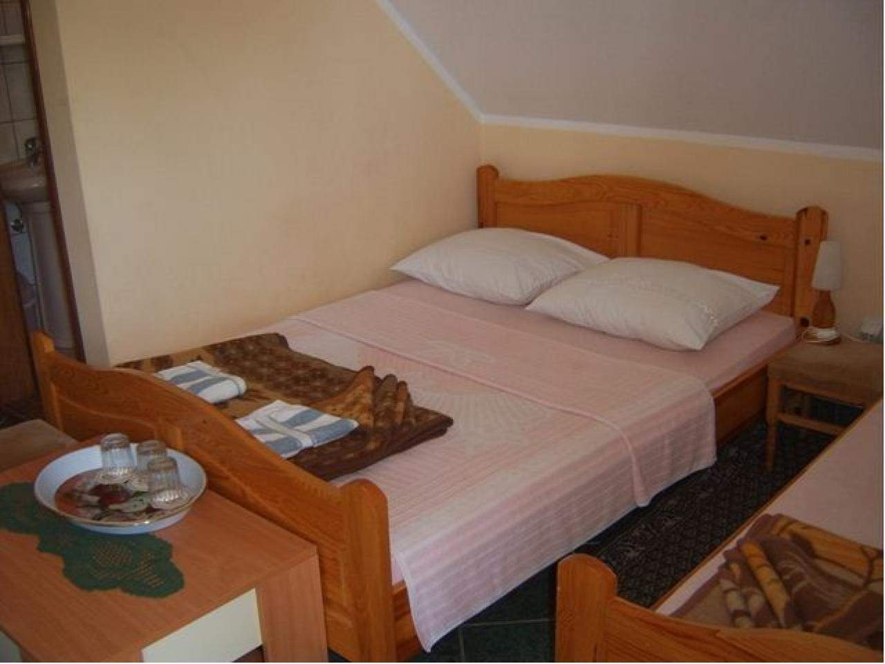 VILA TAMARIS Prenoćišta Srebrno jezero