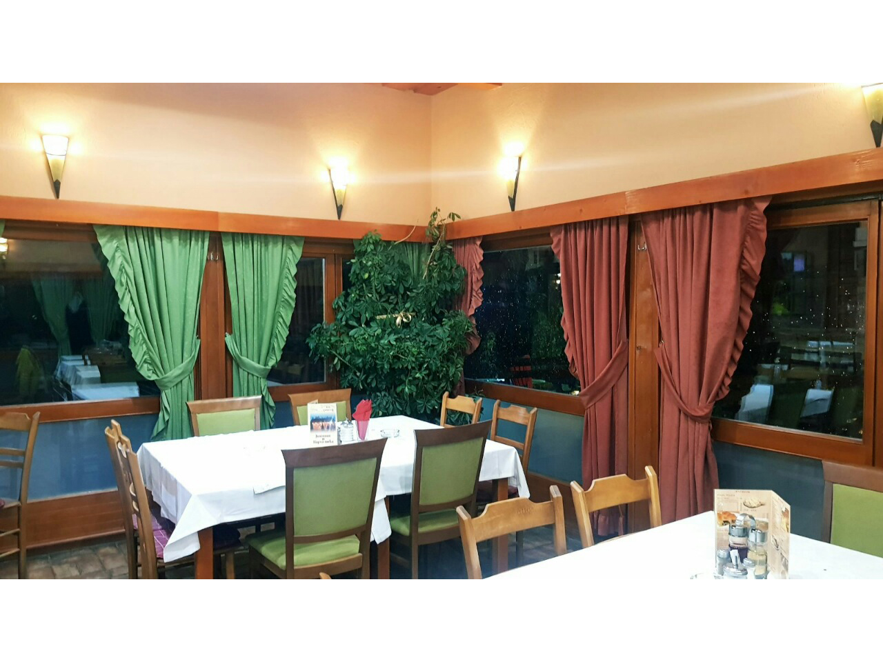 SUR MOJ ZAVICAJ Restaurants for weddings Zlatibor - Photo 4