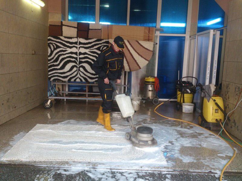 CARPET SERVICE,CARWASH ESKIC Auto tires Mladenovac - Photo 2