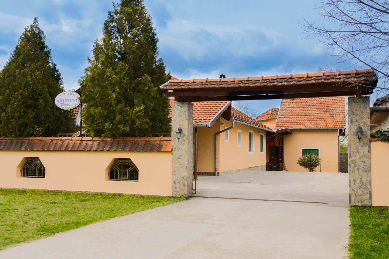 VILLA KRISTINA Private accommodation Palic
