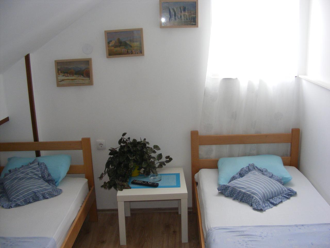ROOM FOR RENT LUIGI MARIO Renting halls Pancevo - Photo 8
