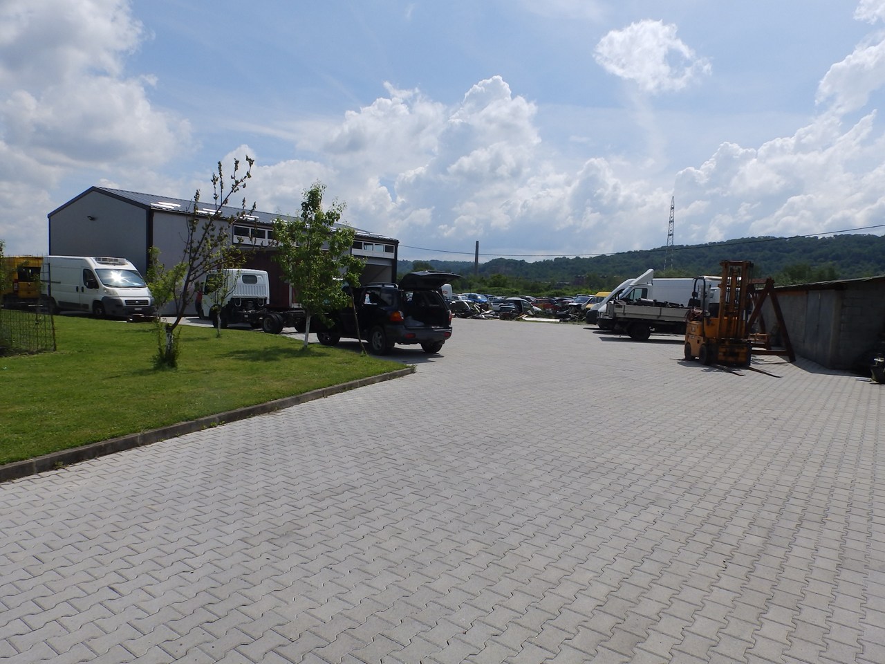 SERVICE TOWING SERVICE AND CAR CENTER GORAN-KEBA Used car parts Loznica - Photo 2