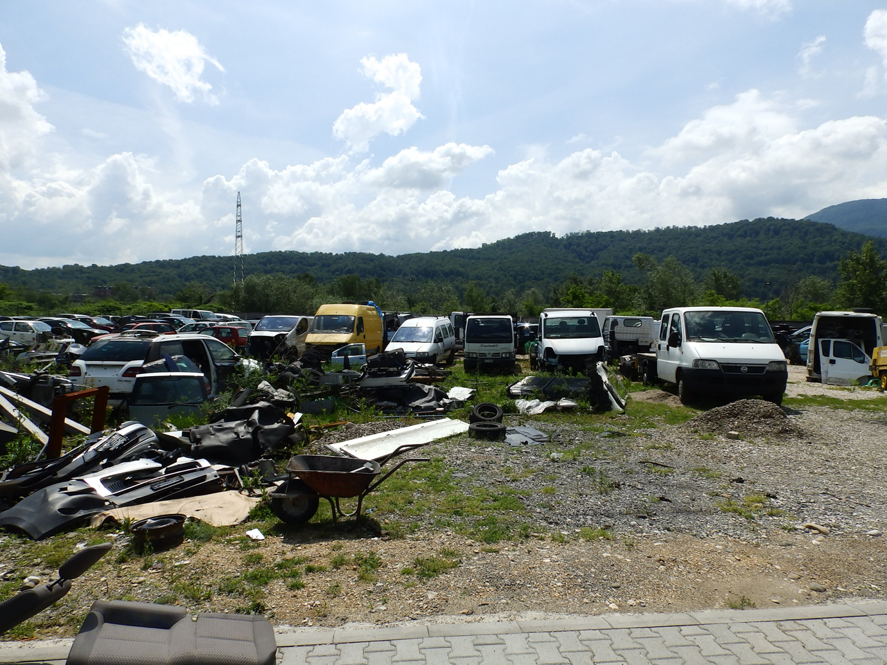 SERVICE TOWING SERVICE AND CAR CENTER GORAN-KEBA Used car parts Loznica - Photo 6