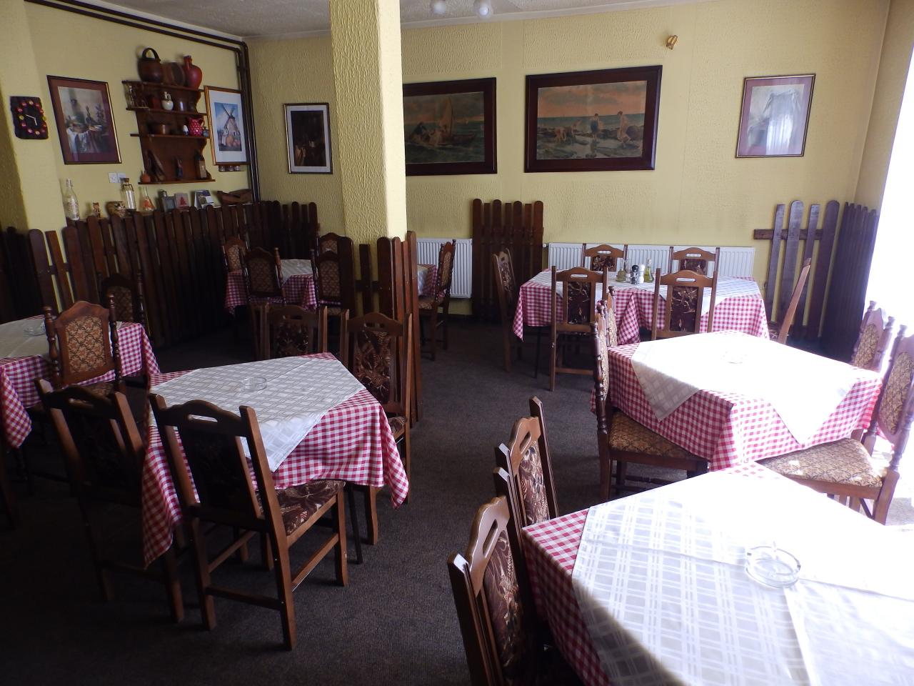TAVERN OLD PROMENADE Restaurants Sremska Mitrovica - Photo 3