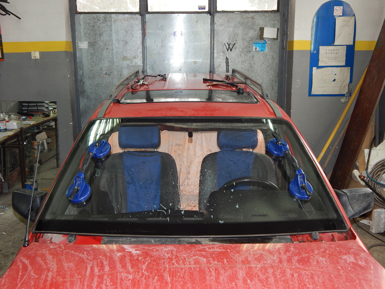 GLASS SERVICE Car-body mechanics Uzice - Photo 3
