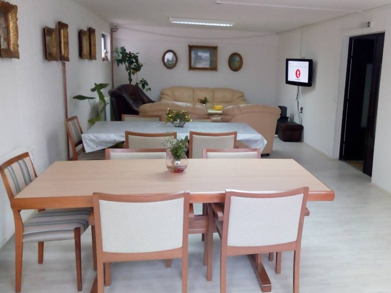 HOME FOR ACCOMMODATION OF ADULTS AND ELDER PEOPLE VERA 035 Adult care home Jagodina - Photo 3