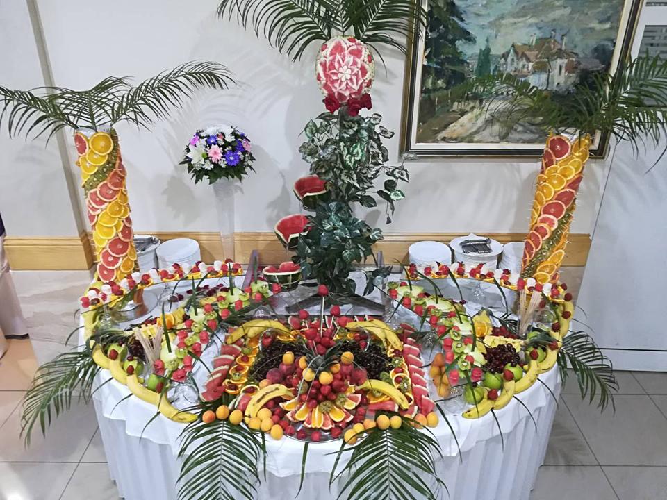 ШАМПАЊАЦ ПИРАМИДА ВОЋНИ АРАНЖМАНИ И СПЕЦИЈАЛНИ ЕФЕКТИ Декорација, декоративни предмети Крагујевац