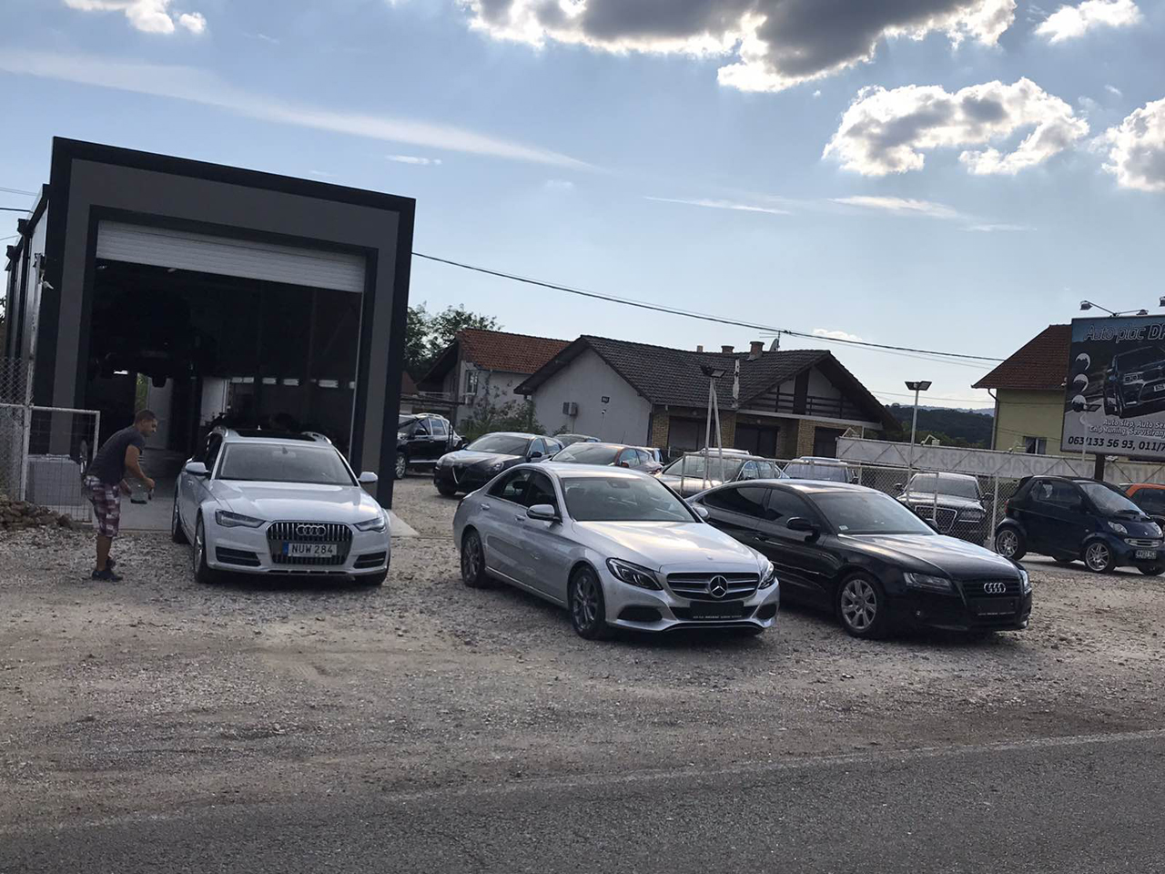 CAR LOT AND CAR SERVICE DROBAC Tire repair Mladenovac - Photo 2