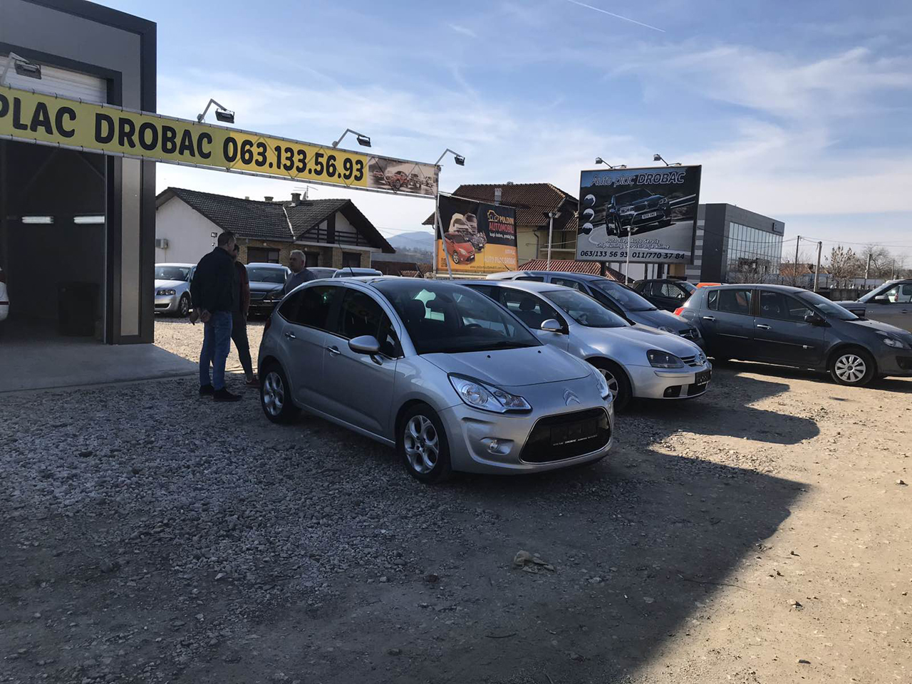 CAR LOT AND CAR SERVICE DROBAC Tire repair Mladenovac - Photo 3