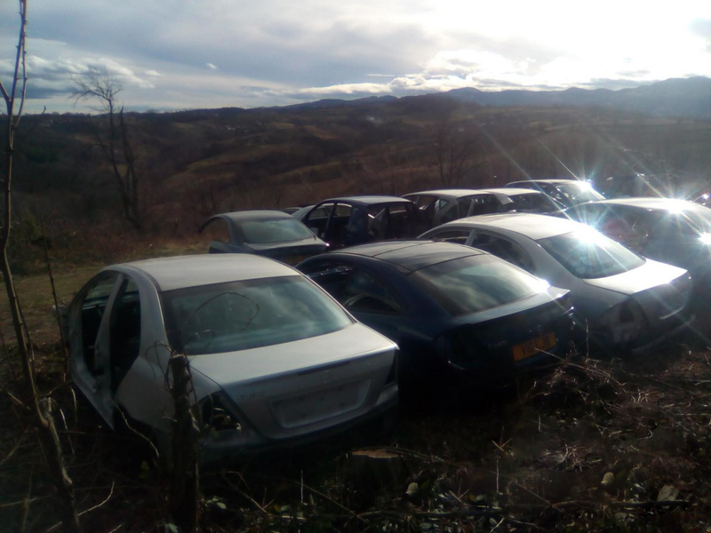 CAR SERVICE AND CAR WASTE MERCEDES LUKA Car scrapyards Osecina - Photo 5