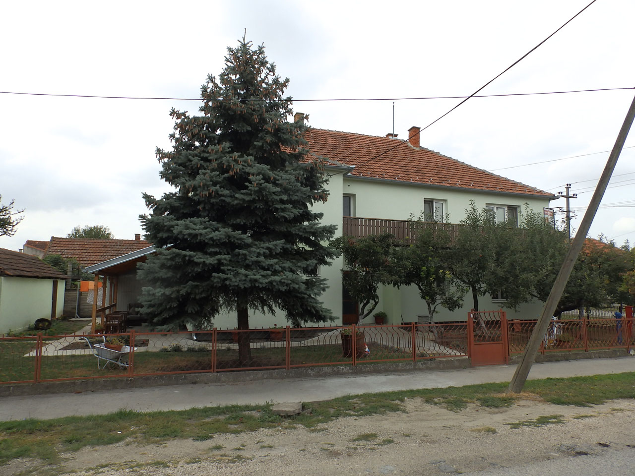HOME FOR ADULTS AND THE ELDERLY NANINI KONACI Adult care home Zrenjanin - Photo 3