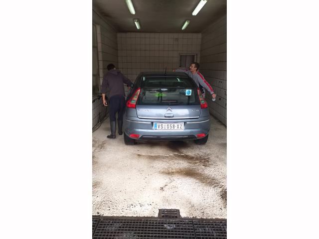 KOMBI PREVOZ I LIMO SERVIS ALEX Autobuski i kombi prevoz Vršac