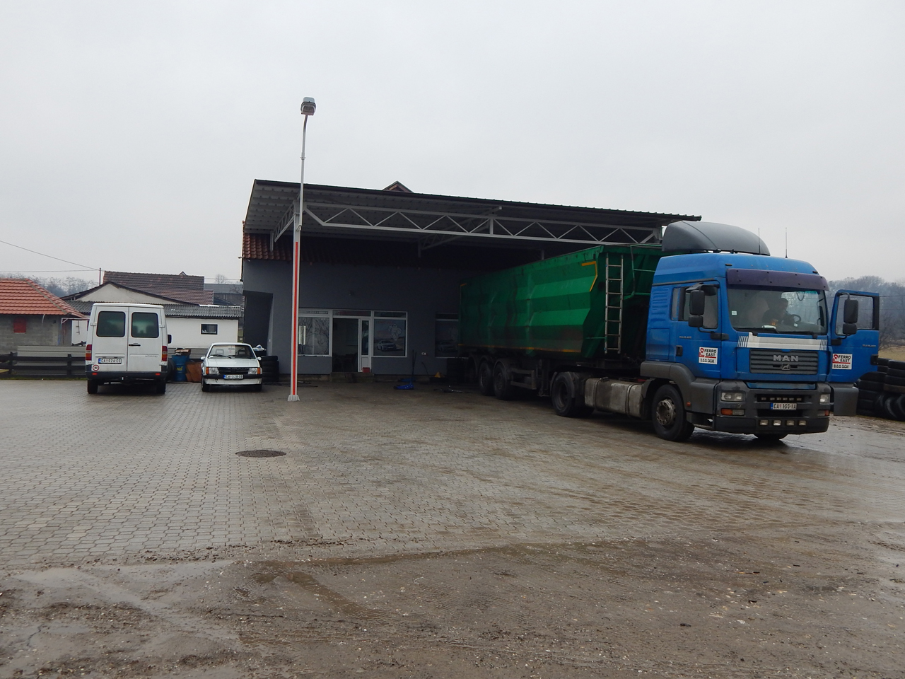 TIRE REPAIR SERVICE LUKIC 002 Car Wash Cacak - Photo 2