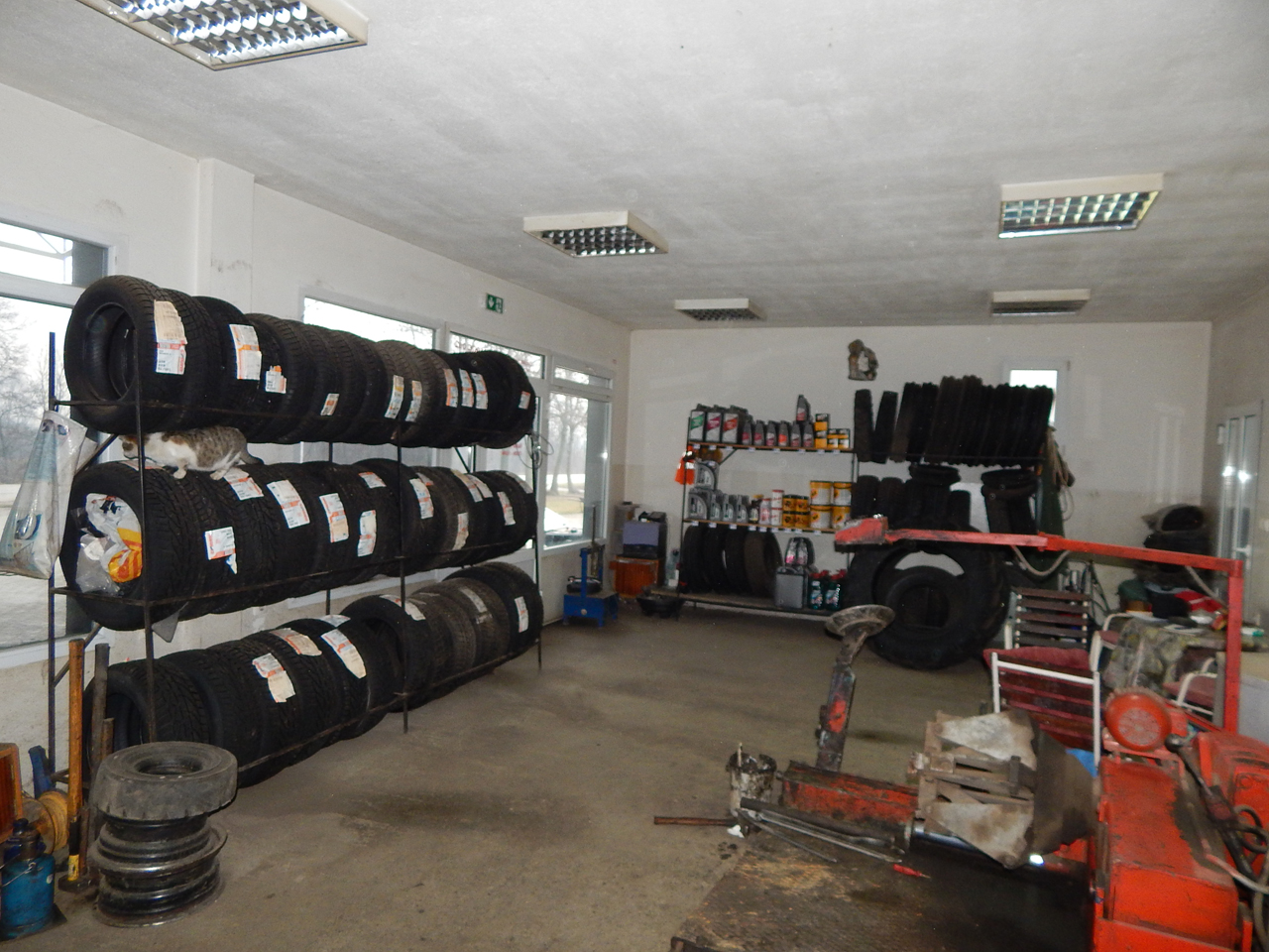 TIRE REPAIR SERVICE LUKIC 002 Car Wash Cacak - Photo 3